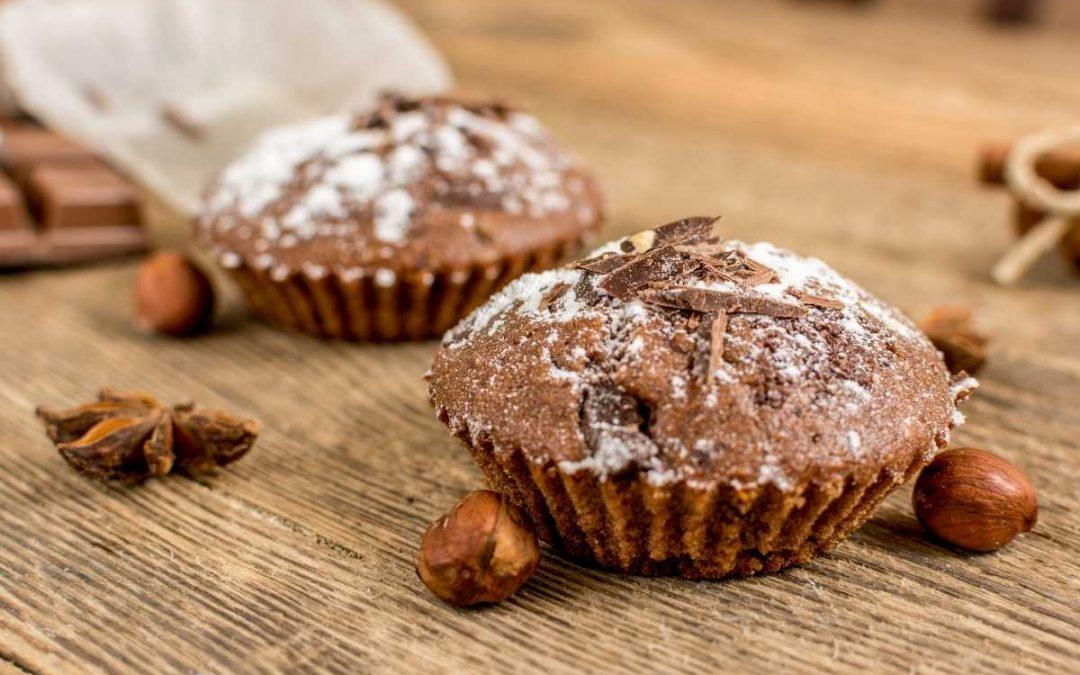 Muffin al cacao amaro profumati all'arancia