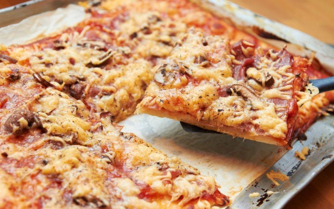 Pizza in teglia casalinga