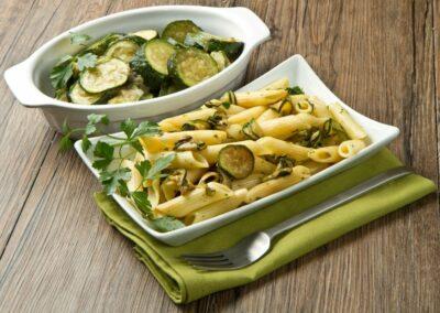 Penne zucchine, limone e salvia