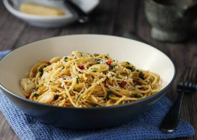 Spaghetti salvia, timo, maggiorana e peperoncino